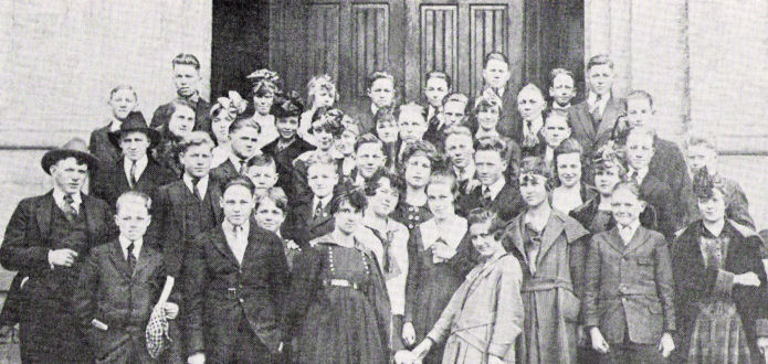 The BYH Class of 1921 as Freshmen in 1918.